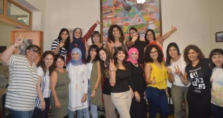 نساء ضد العنف تختتم دورتي تأهيل متطوعات لمركز مساعدة ضحايا العنف الجنسي والجسدي