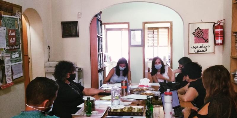 جلسة عمل مع النائبة عايدة توما-سليمان